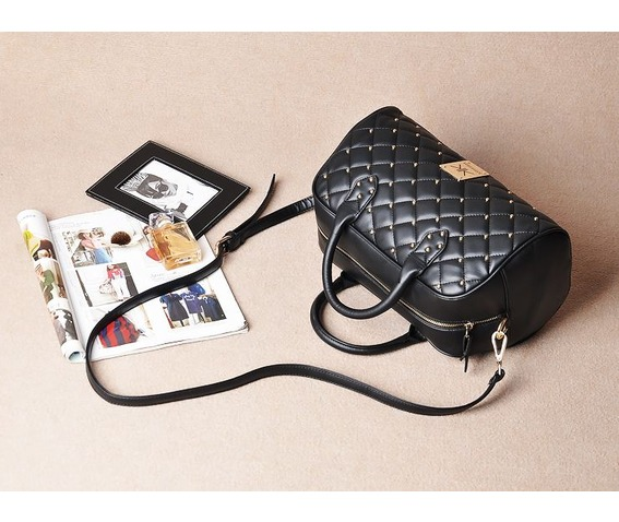 elegant_rivet_studded_black_shoulder_handbag_bags_and_backpacks_5.JPG
