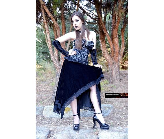 black_velvet_gothic_assimetric_skirt_vampire_skirts_4.JPG