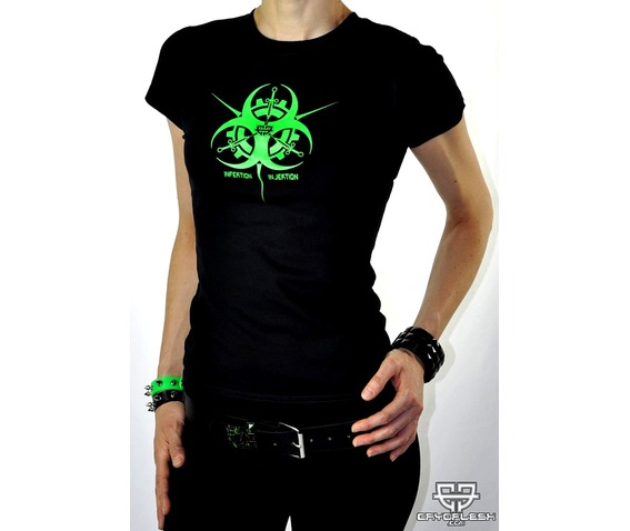 infektion_injektion_biohazard_syringes_cyber_top_female_tees_3.jpg