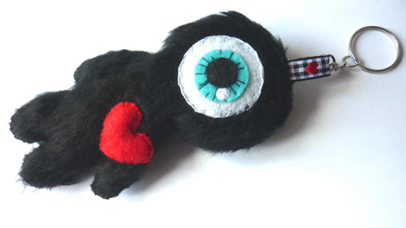 little_cyclops_in_love_felt_toy_keychain_doll_toys_4.JPG