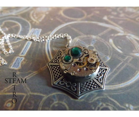 swarovski_emerald_steampunk_necklace_steamretro_necklaces_4.jpg