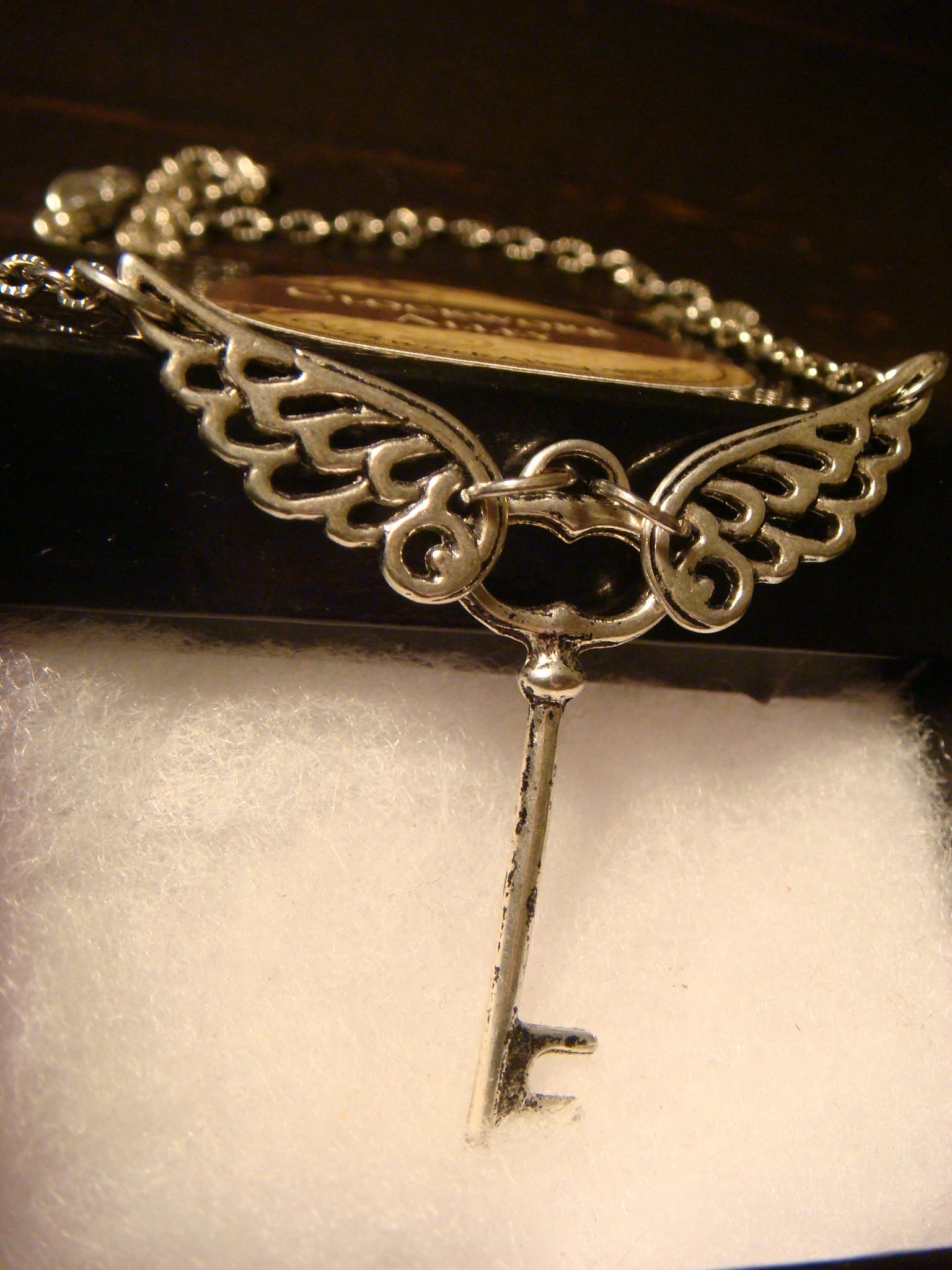 skeleton_key_with_wings_necklace_antique_silver_necklaces_4.JPG