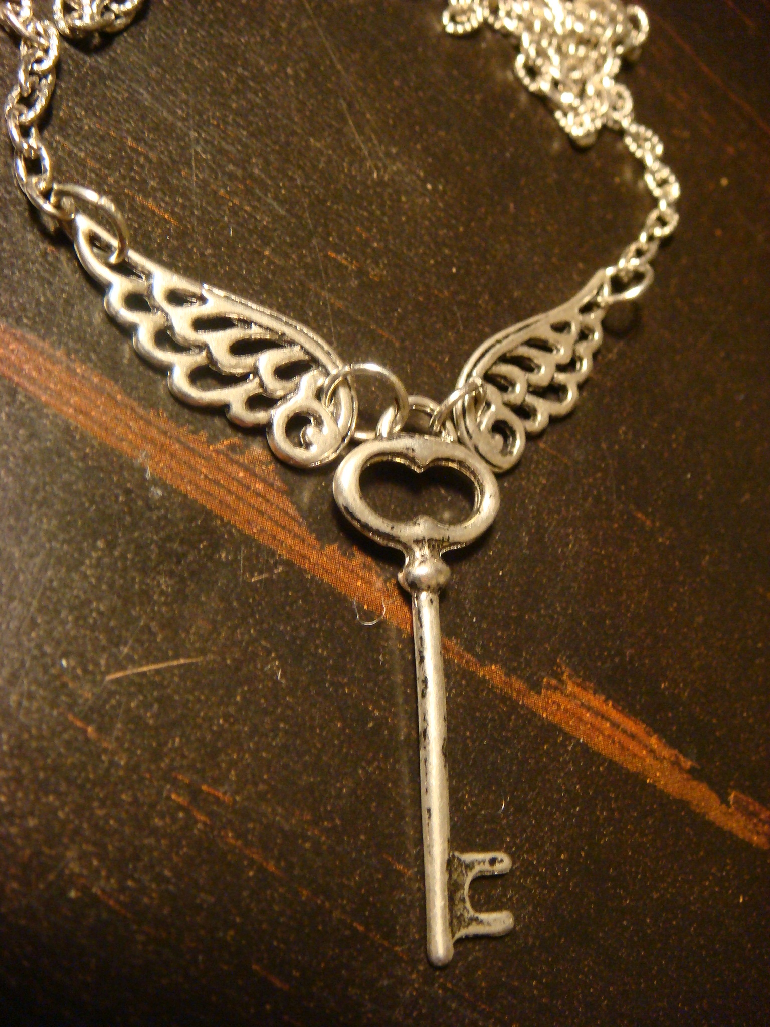 skeleton_key_with_wings_necklace_antique_silver_necklaces_3.JPG