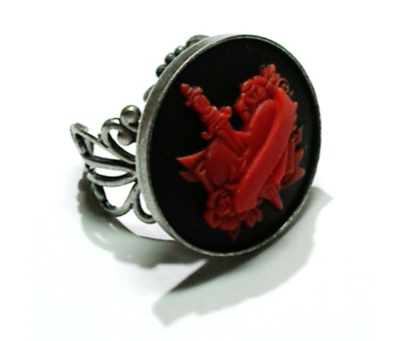 tattoo_heart_dagger_cameo_ring_rings_3.png