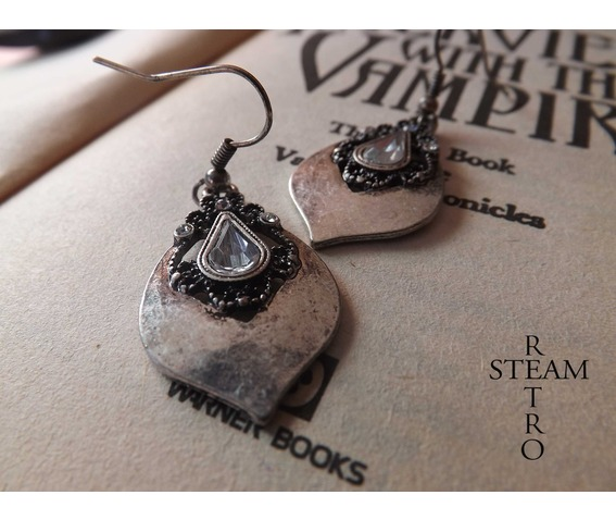 tears_princess_vintage_earrings_gothic_earrings_gothic_jewelry_steamretro_earrings_3.jpg