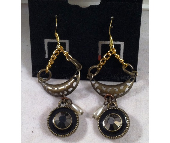 half_moon_earrings_earrings_2.jpg