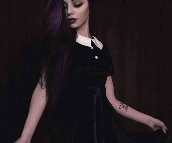 Her goth