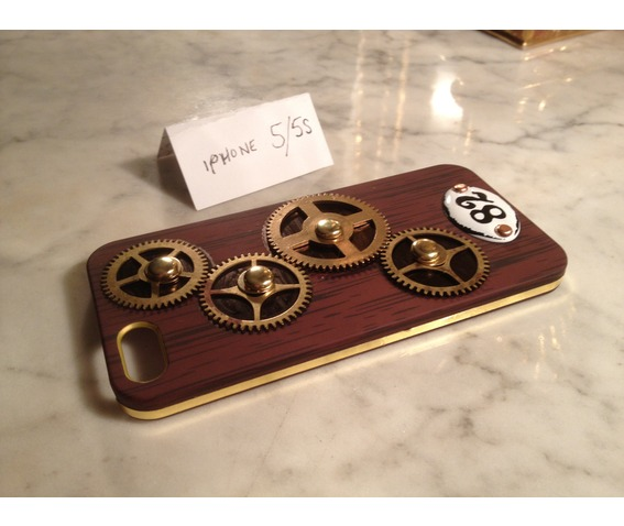i_gearz_steampunk_case_cover_apple_i_phone_5_s_gears_spin_phone_cases_3.jpg