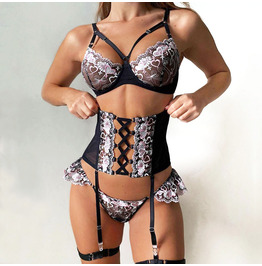 Punk Love Embroidery Girdle Strap Lingerie Three-piece Suit /3045