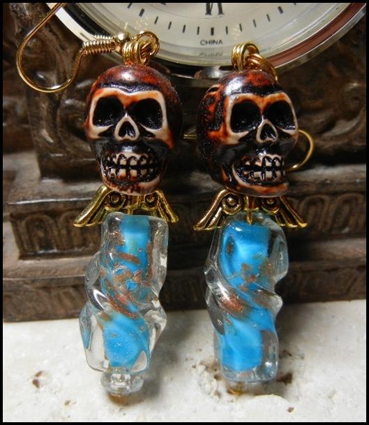 ooak_turquoise_twisted_glass_angel_skull_earrings_earrings_2.JPG