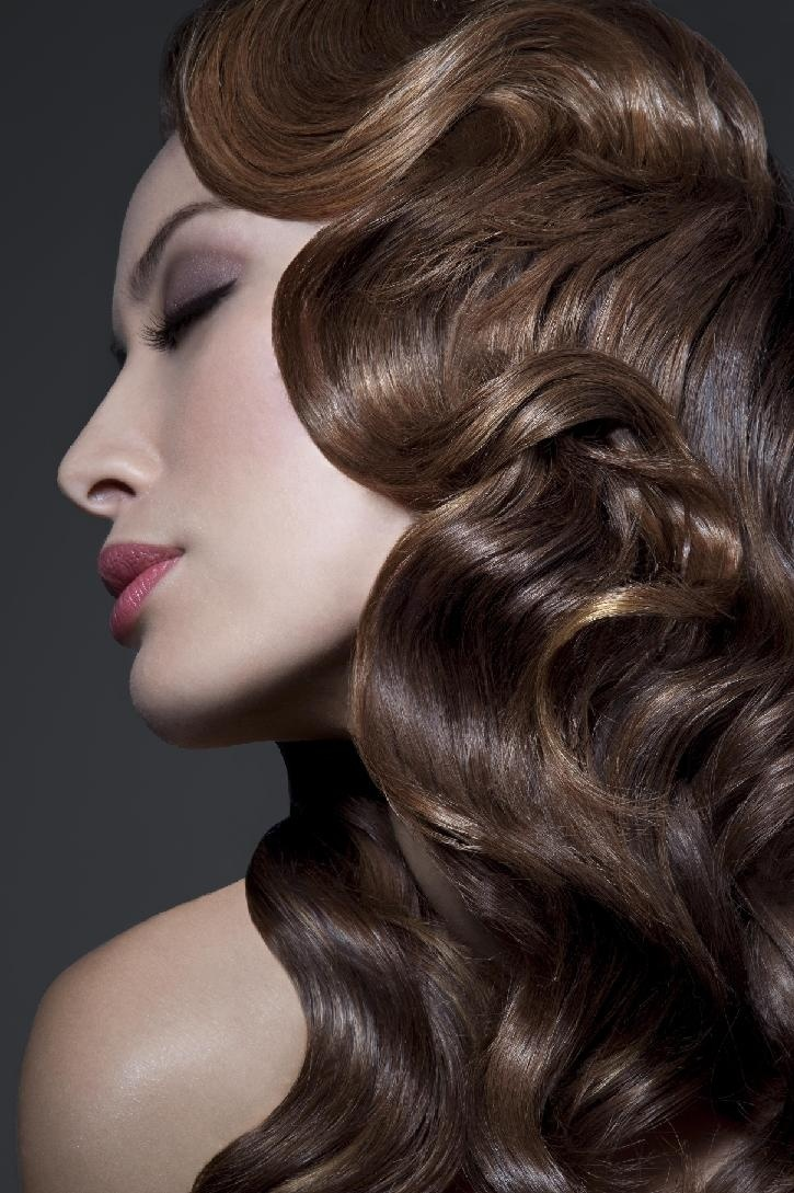 How To Create The Perfect Pin Up Hair