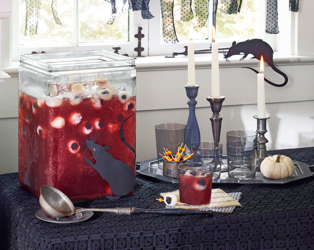 Throw the ultimate Halloween party with these awesome drink ideas.