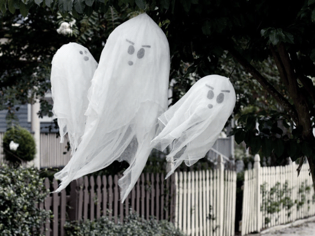 Easy DIY decorations for your Halloween party
