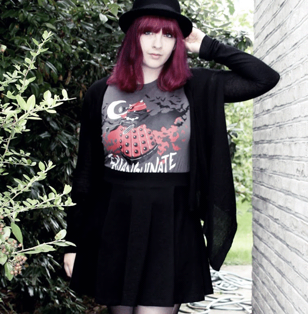 How To Dress like a Geek Goth