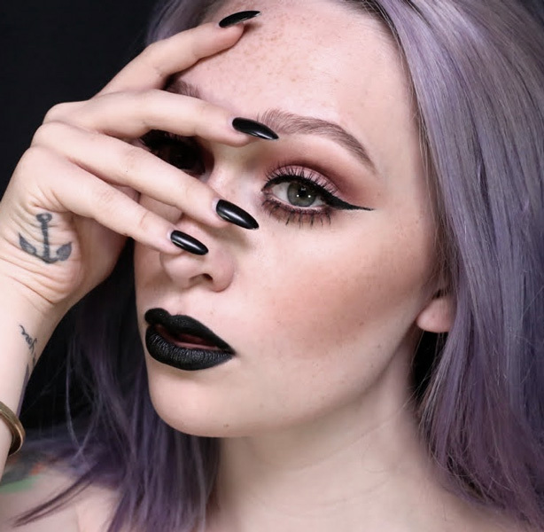 How to rock black lipstick