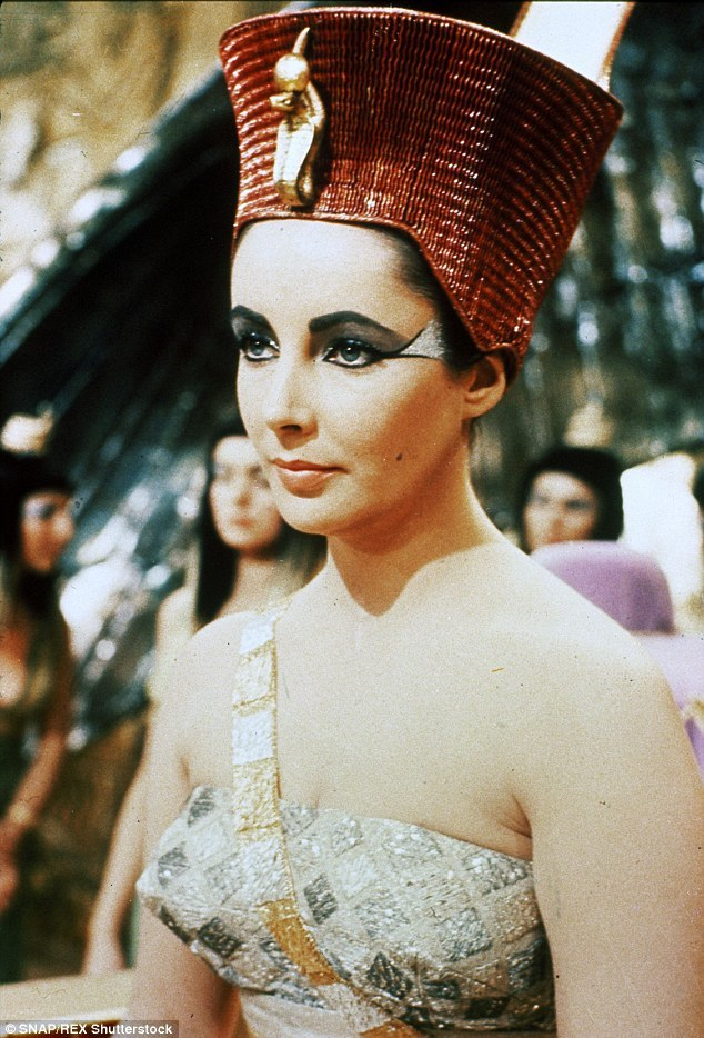 A Visual History of Cat Eye Makeup:Elizabeth taylor with bold cat eye flicks