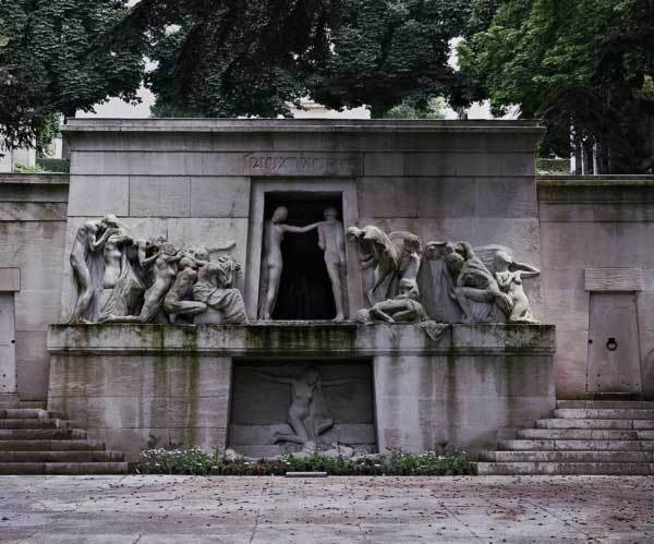 Top Cemeteries to Visit: Père Lachaise Cemetery - Paris, France