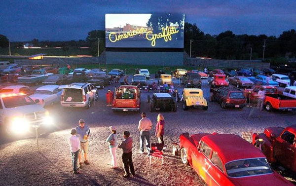 27 Things to Do Before Summer Ends: Outdoor Movies