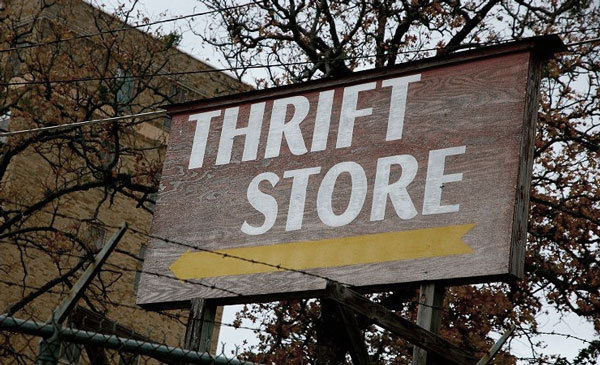 Thrisft Store Shipping Tips: Pick Both the Right Thrift Store and the Right Day