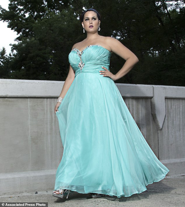 Plus size prom dresses - how to build a prom outfit
